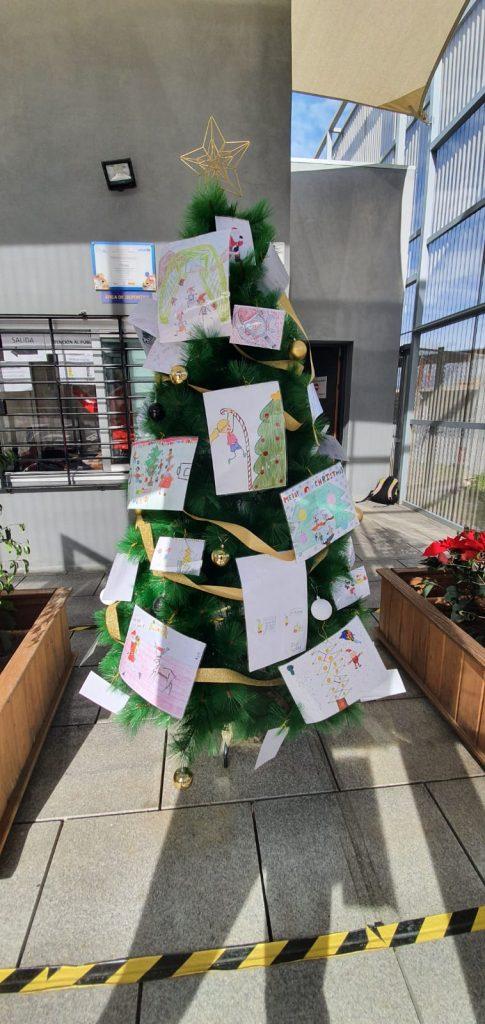 arbol-de-navidad-deportes-decorado-con-dibujos-concurso-dic-20