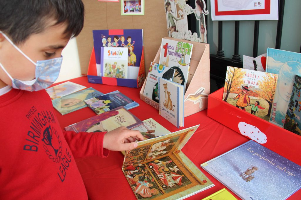 al-aire-libro-biblioteca-cartama-pueblo-080421-10