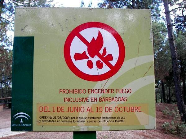 cartel-prohibido-barbacoas