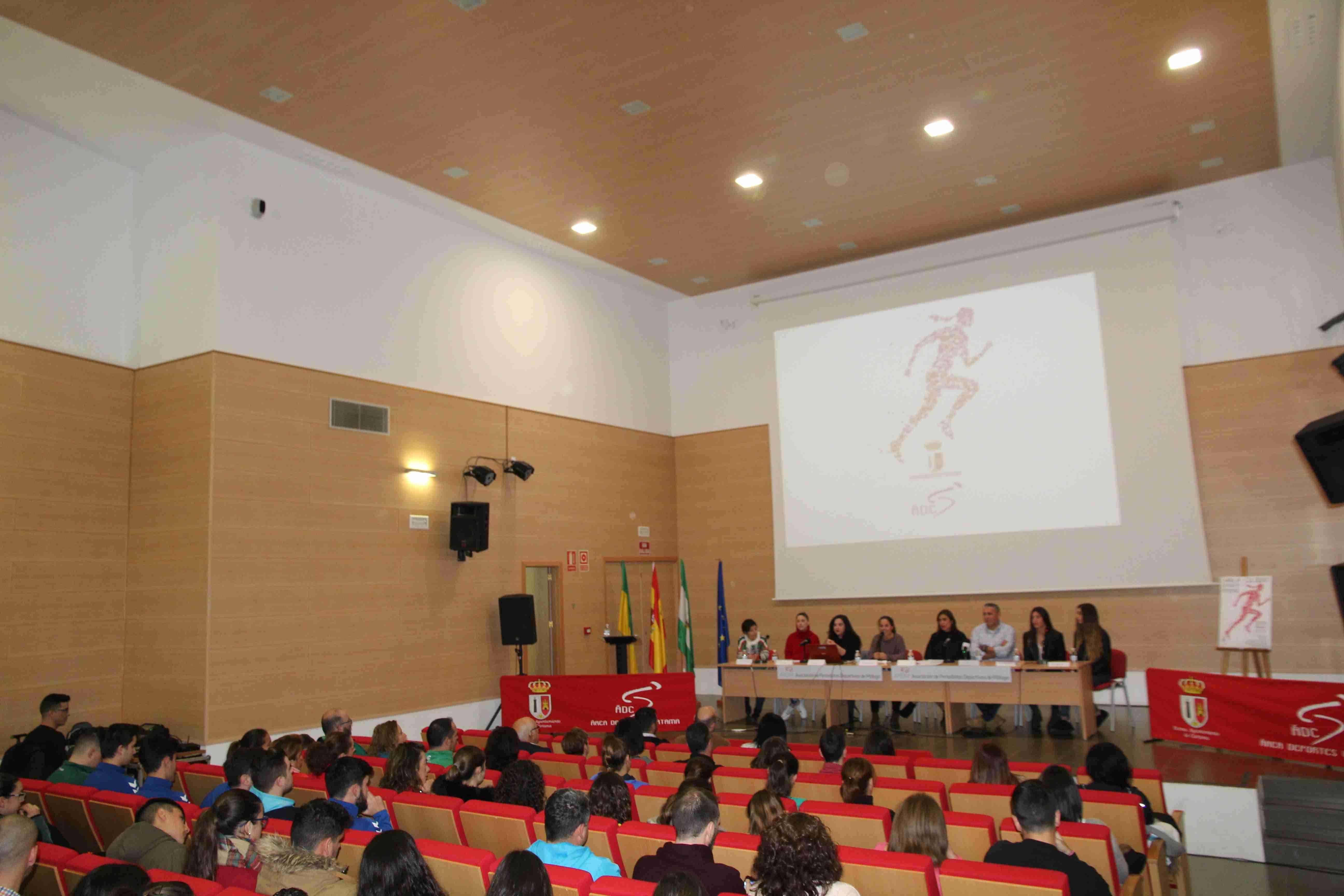 charla-coloquio-deporte-femenino-110119-13