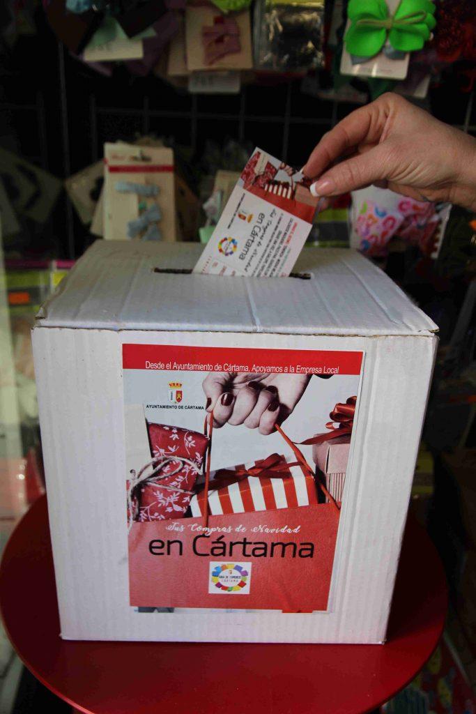 depositando-boleto-campana-compras-navidad-2020-r