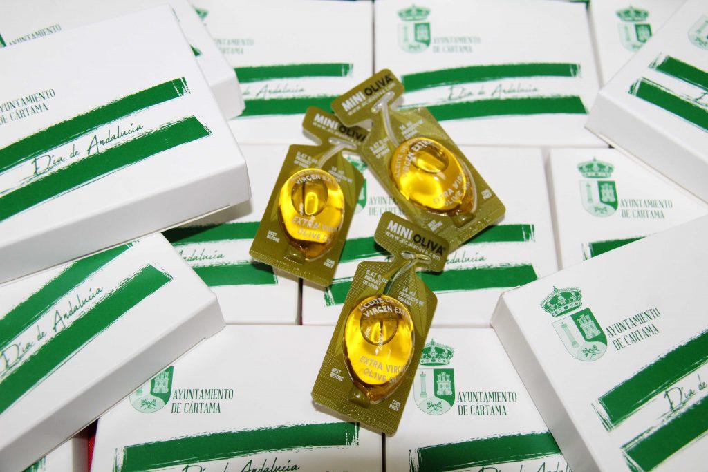 preparacion-cajitas-monodosis-aceite-dia-andalucia-para-desayuno-andaluz-centros-educativos-160221-2