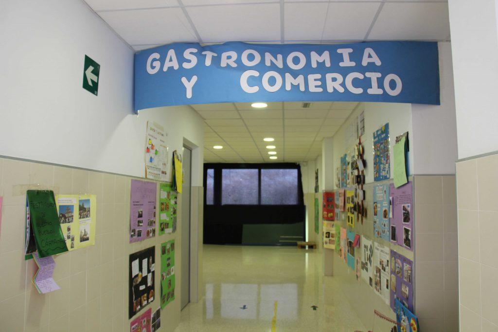visita-exposicion-cartama-mi-pueblo-ceip-cano-cartamon-14-y-15-abril-2021-53