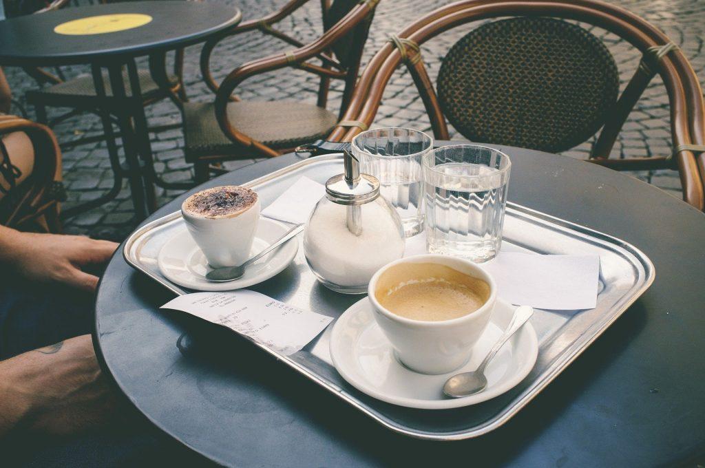 coffee-shop-1154289_1920